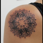 laurelarth tattoo tatoueur lyon vapeur encres tatouage mandala flashs dotwork ornemental
