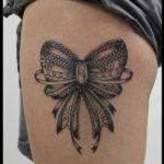 laurelarth tattoo tatoueur lyon vapeur encres tatouage noeud dentelle arabesques flashs dotwork ornemental